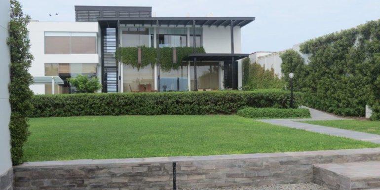 venta-casa-chorrillos-jardin